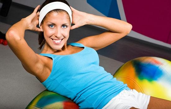 женщина на фитнессе
